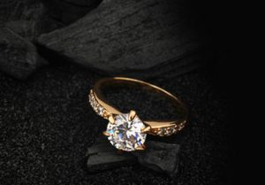 Pre-owned Engagement Ring